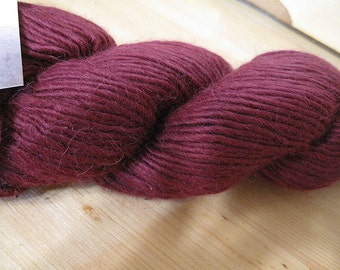 Highland Duo Beet Color Yarn 197 yards Worsted Weight Alpaca Merino Wool Blend Color 2307