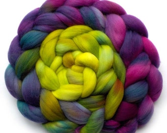 19.5 Micron Superfine Merino Roving Handdyed Combed Top, Abstract Fig, 5.5 oz.