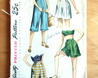 Simplicity 2853 Vintage 40's Womens Shorts Cropped Pant Fashion Sewing Pattern, size 26 waist