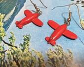 Red Airplane Earrings, Vintage 80s Earrings, Enameled Metal Dangle Earrings, Fun Vintage Earrings, Red Earrings, Airplanes Travel Earrings