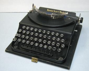 Antique Remie Scout Model Art Gothic Script Portable Depression Era Typewriter with Case 1932