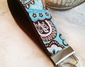 Fabric Wrist Key Chain / Key Fob / Fabric Keychain / Sweet Paisley