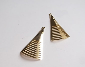 10 pcs triangle drop with curve 38 x 20 mm long fan shape in gold color