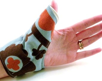 Hot Wrap Cold Wrap for Men or Women, Thumb Wrist Hand, Texting Gaming Golf, Thumb Heating Pad Microwave Rice Pack