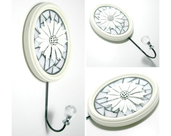 SALE - Black White Flower Mosaic Wall Hook, Oval Flower Jewelry Hook, Black White Brooch Hook,Black White Mosaic Jewelry Hat Hook,