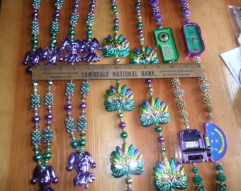 4 Mardi Gras Necklaces - Purple/Gold/Green main color - CLown/mask/berry beads