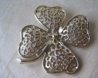 Clover Flower Gold Brooch Filigree Vintage Pin Sarah Coventry