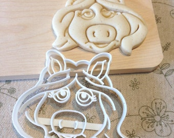 Miss Piggy Cookie Cutter - The Muppets Fondant Icing Cake Cupcake Topper Sugar Cookies Birthday Party Favors Old School Pig Kermit The Frog