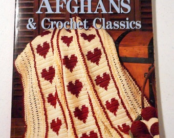 Afghans and Crochet Classics Pattern Book Leisure Arts Red Heart Yarn Craft Crafter Crafting