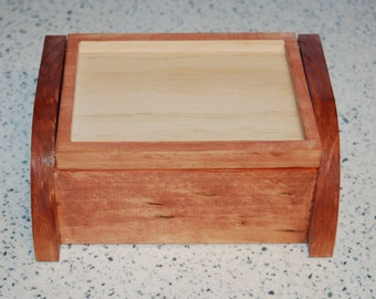 Wooden Keepsake Box - Trinket Box - Jewelry Box - Customizible with top insert - Felt lined 16002
