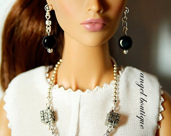 "Fashionable Silver Necklace (Black & Silver) fits 16"" dolls"