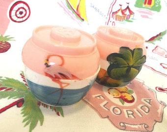 Vintage Florida salt and pepper shakers pink hand painted flamingo palm trees 1940s bean pot Floridiana souvenir kitsch