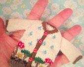 jiajiadoll-hand knitting-cream colored mushroom cardigan sweater fits Momoko misaki OR Blythe