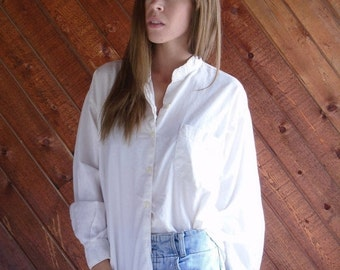 30% off ... Luxe White Cotton Button Down Shirt with Chest Pocket - Vintage 90s - MEDIUM M
