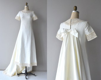 Branchardiere wedding gown | vintage 1960s wedding dress | crochet 60s wedding dress