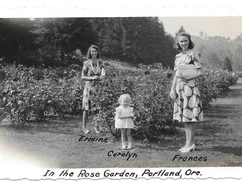 vintage Photo Women Little Girl Rose Garden Portland OR 1950s snapshot