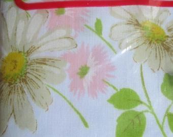 Vintage NOS Morgan Jones Pillowcases Daisies Pink White and Green on White