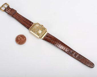 14kt Longines Wristwatch with diamonds c.1944 - Unisex - Working Condition - Leather Band - Domed Crystal