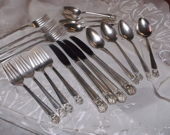 Rogers Bros Eternally Yours 1847 IS 20 Pieces Silverware Vintage