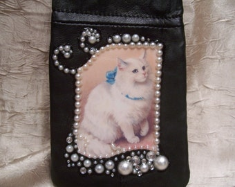 Womens Black Leather Change Purse /Cell Phone Holder/Purse Organizer with A Vintage White Cat