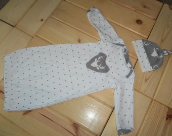 Newborn Baby Layette Gown and Knot Hat in Buck Design