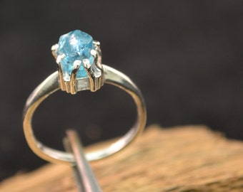 Neon Blue Apatite Ring Raw stone  Engagement Ring Sterling Silver Ring Raw Stone Jewelry Ring Size 7