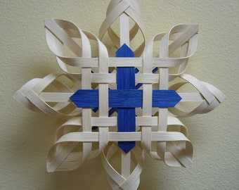 Star Of The Northern Cross / Hand Woven Nordic Star