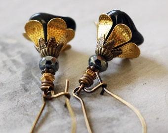 Black Flower Earrings | Flower Lover Gift for Gardener | Black Earrings | Dangle Earrings | Flower Jewelry | Floral Jewelry | Gift for Mom