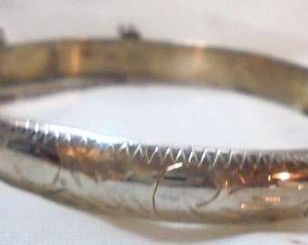Vintage Sterling Silver Engraved Bangle with Safety Chain 10 grams