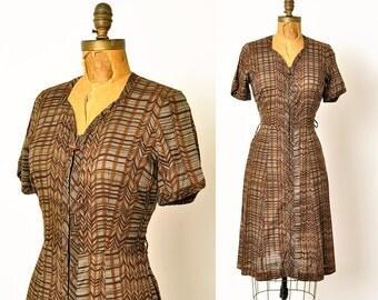 1960s dress / wavy print house dress / 60s dress