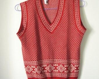 SALE Vintage sleeveless sweater ski vest V neck winter blouse S