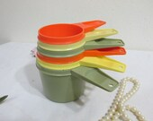 Tupperware Measuring Cups Set of 6 Mixed 1970s Colors