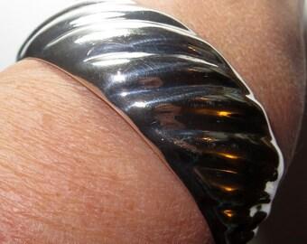 "Italy Sterling Silver Cuff Bracelet 2 1/4"" Diameter 26g"
