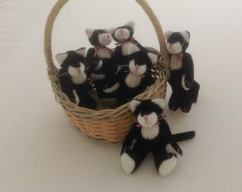 Vintage Cats Small Vintage Cats Small Velvet Cats - Set of 6