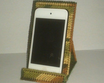 Handmade Cell Phone or Ipod Holder Plastic Canvas Woodsy Sylvestre Color