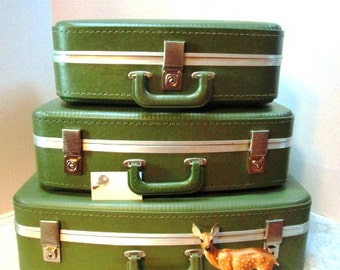 Vintage Luggage Set, 3 Pc Complete w/ Mirror + Key, Green, Nesting, Overnight at Grandma's, 3 Bears, Craft Storage, Carry On, Hardside