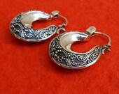 Balinese Sterling Silver Hoop Earrings / silver 925 / 1 inch  / Bali Handmade jewelry