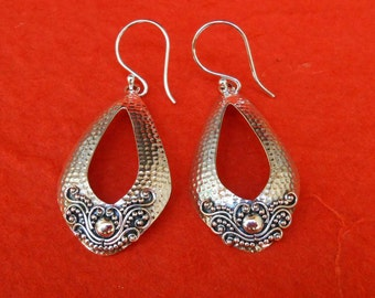 Balinese Sterling Silver hammered tribal style Earrings / 2 inch long / silver 925 / Bali Handmade Jewelry / gold dot