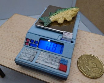 Miniature working electronic scale, for dollhouses and dioramas.