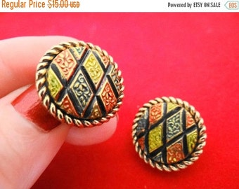"20% off sale SARAH COVENTRY signed Vintage enameled gold tone 1""""  earrings in great condition"