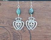 Double Entwined Crowned Fleur de Lys Heart Earrings with Emeralds