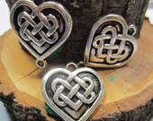 6 Heart connectors antique silver jewelry charms Celtic heart Irish knot pendants wedding love knot charms 8S(YY2)