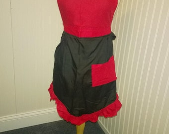 Womens Reversible Red and Black Cafe Bib Apron