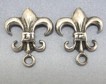 Sterling Silver Post Earring Fleur de Lys Flur De Lis 1 pair Findings Jewelry Supplies A-80