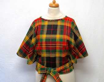 1970s Vintage Wool Cape Jacket / Tartan Plaid Capelet