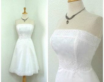 Vintage 1950s White cotton dress Eyelet lace Strapless Molly Simple Wedding Gown Small