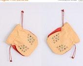 45% OFF SALE.... vintage straw purse • embroidered floral • vintage drawstring bag
