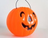 Vintage 1960s Blow Mold Pumpkin Candy Basket VGC / 60s Halloween Decor, Jack-O-Lantern, Candy Pail, Trick or Treat