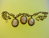 Authentic Victorian necklace with 3 dangling superb  genuine cameo carved conch shell pendants -  fine  Savoy Knot links chain - Art.433/4