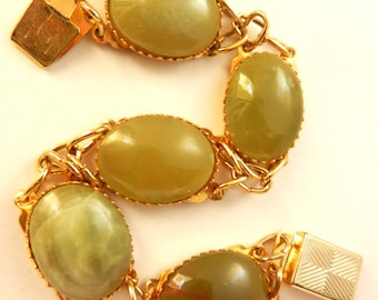 Gorgeous vintage genuine Scottish Agate Bracelet - 1950s bracelet goldtone with very nice  green marbled appearance and delicate - Art.304 -